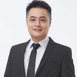 Julian Tong