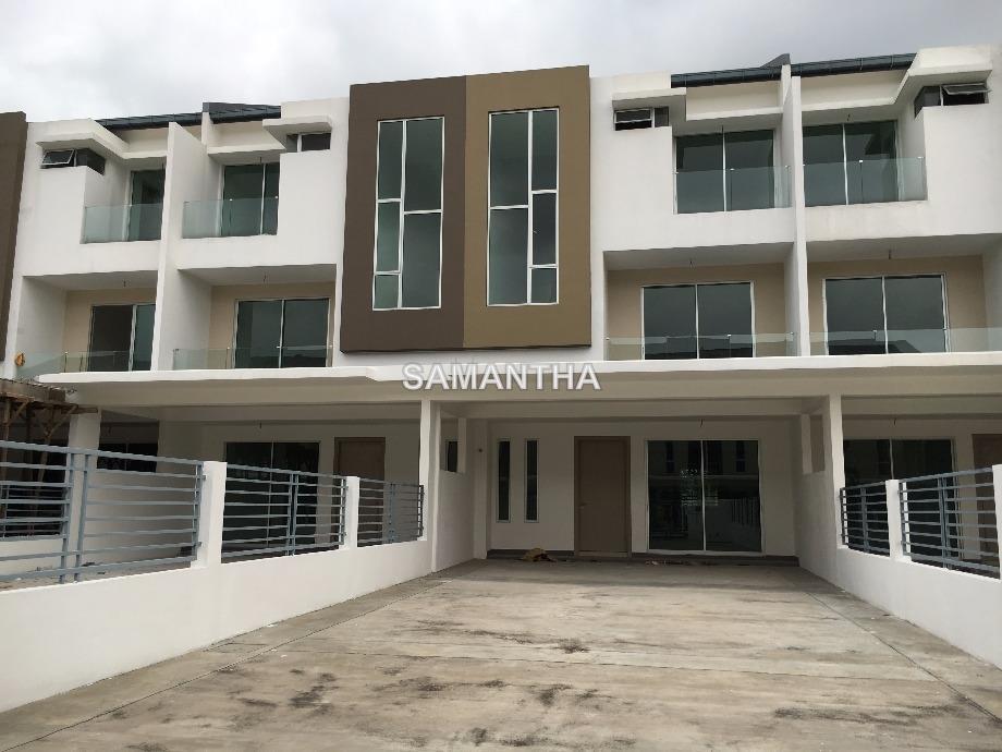 22x90 Klang, Bandar Bukit Tinggi