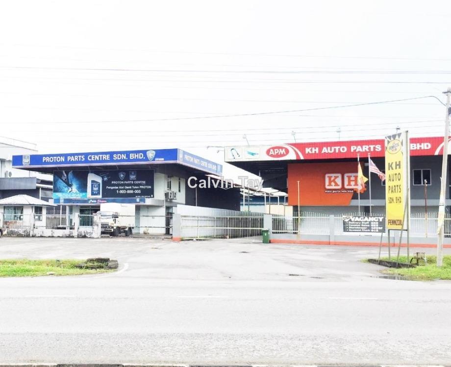 Showroom cum Industrial Warehouse at 10 Miles Kuching, Kuching