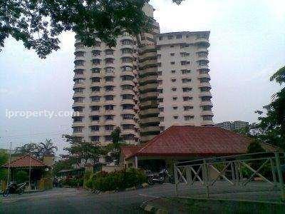 Menara Polo, Kampung Desa Pahlawan, Ampang
