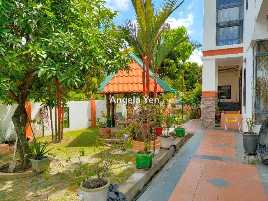 Country Shangrila, Penampang