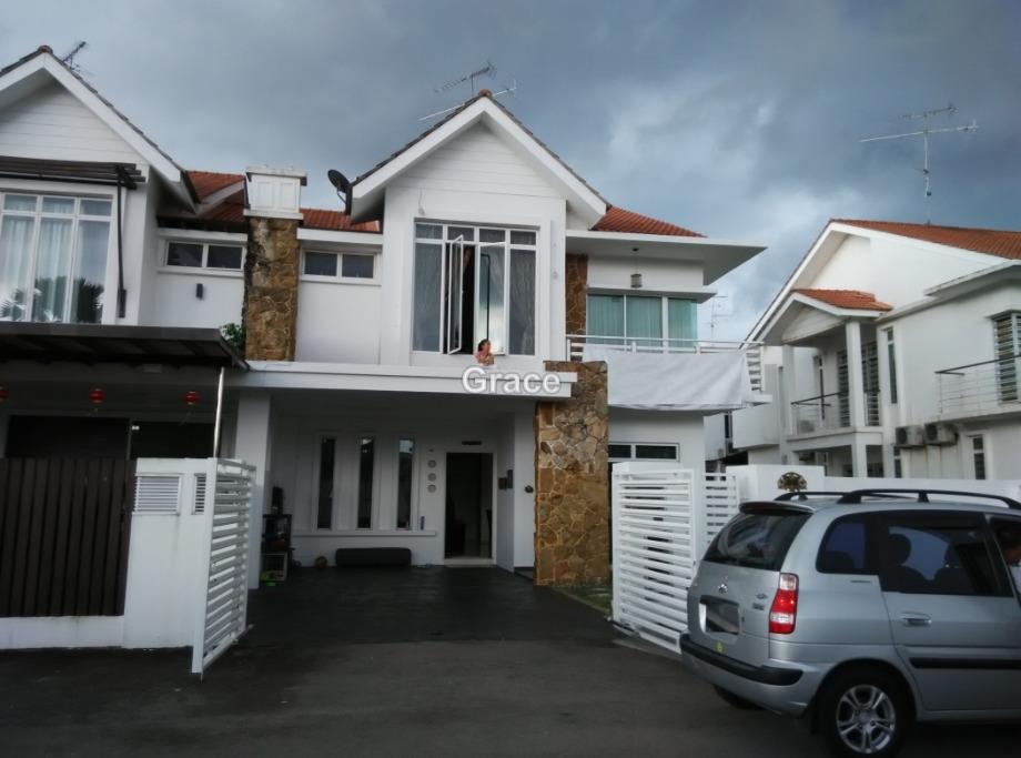 Casa Amira, Perling