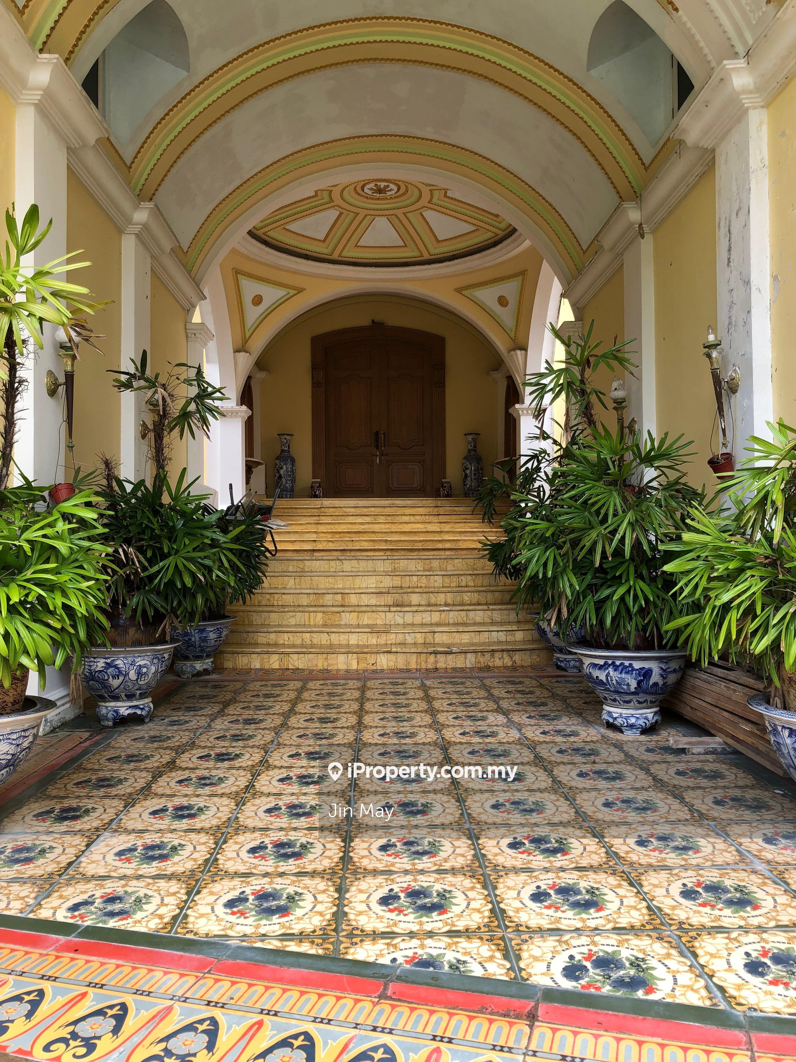 Bukit Tunku, Taman Duta