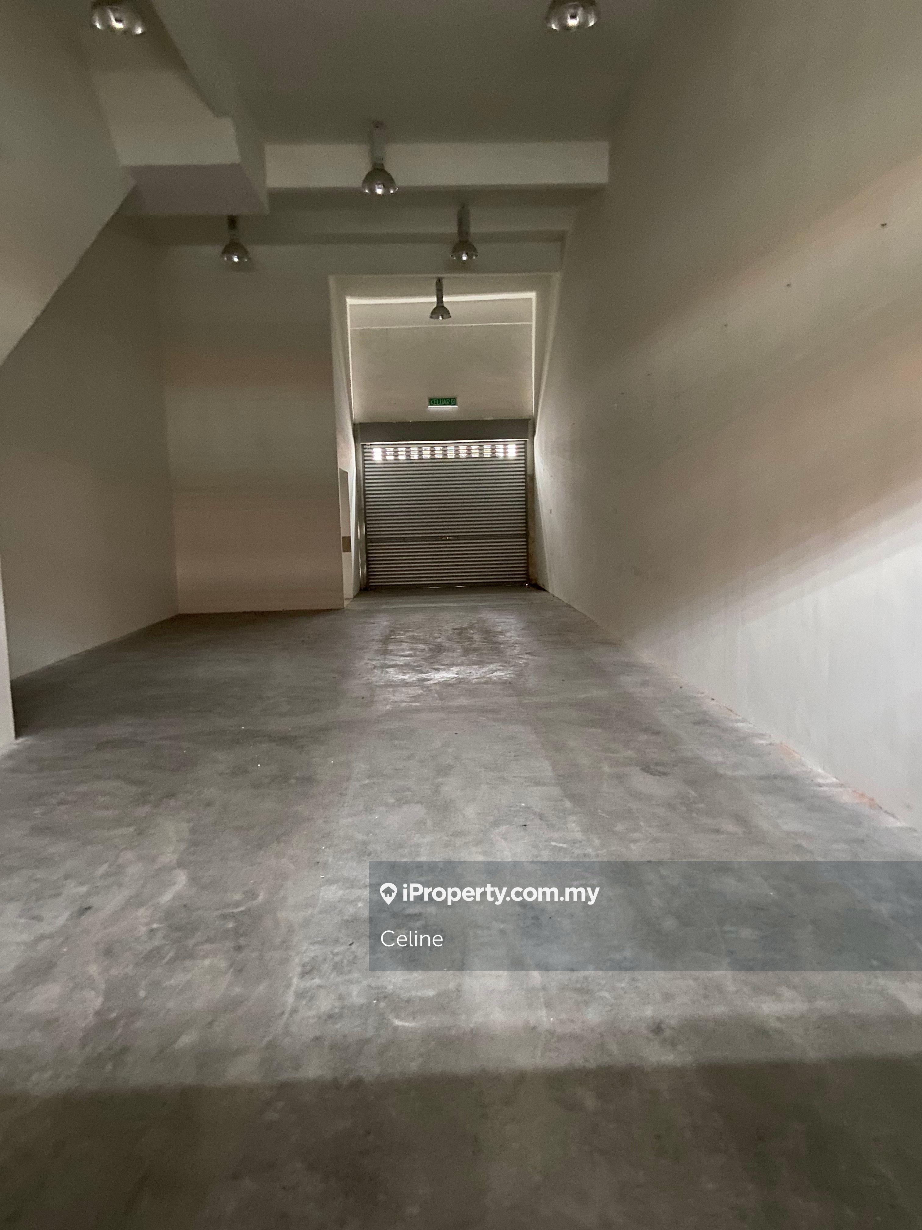 32 Avenue Phase 1 & 2, Merchant Avenue, Bukit Serdang, Bukit Serdang, Seri Kembangan, 32 Avenue, Serdang