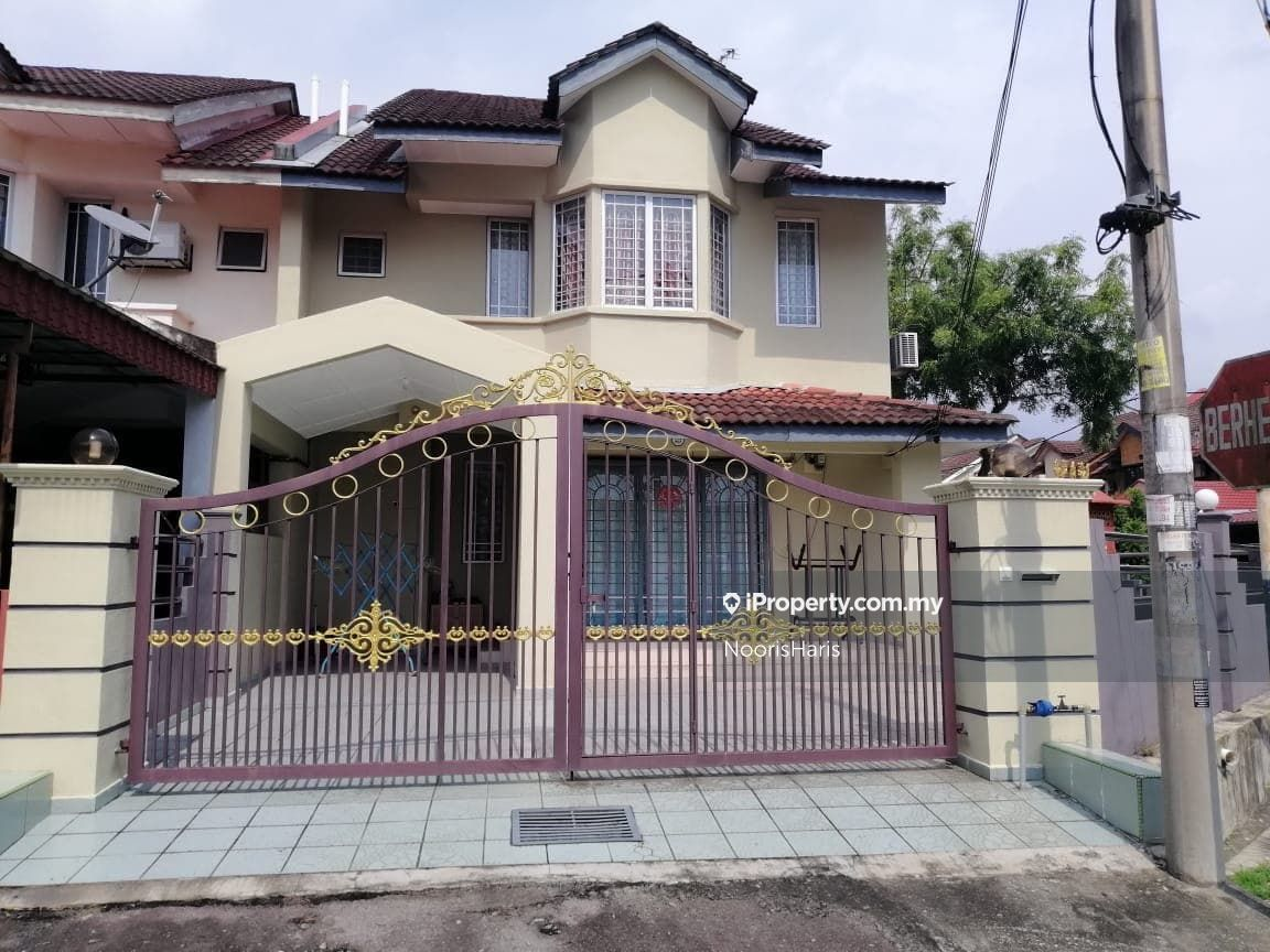 Double Storey Terrace Taman Semarak Batang Kali, Batang Kali