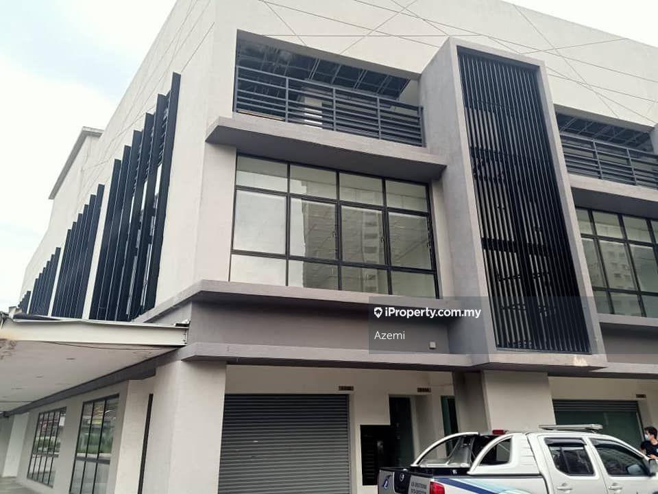 Centro Glomac Kayu Ara Selangor, Kayu Ara