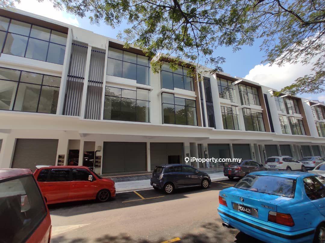 New ready move in freehold office 22x80 bangi, Bangi