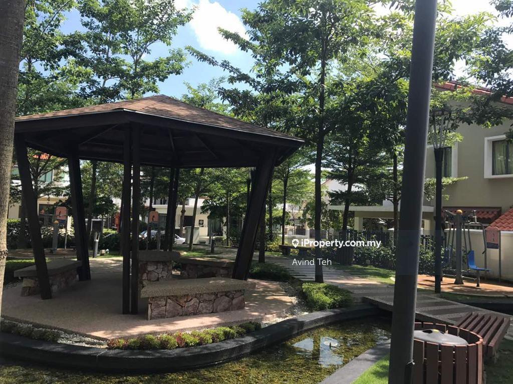 Jalan Setia Tropika , Setia Eco Park