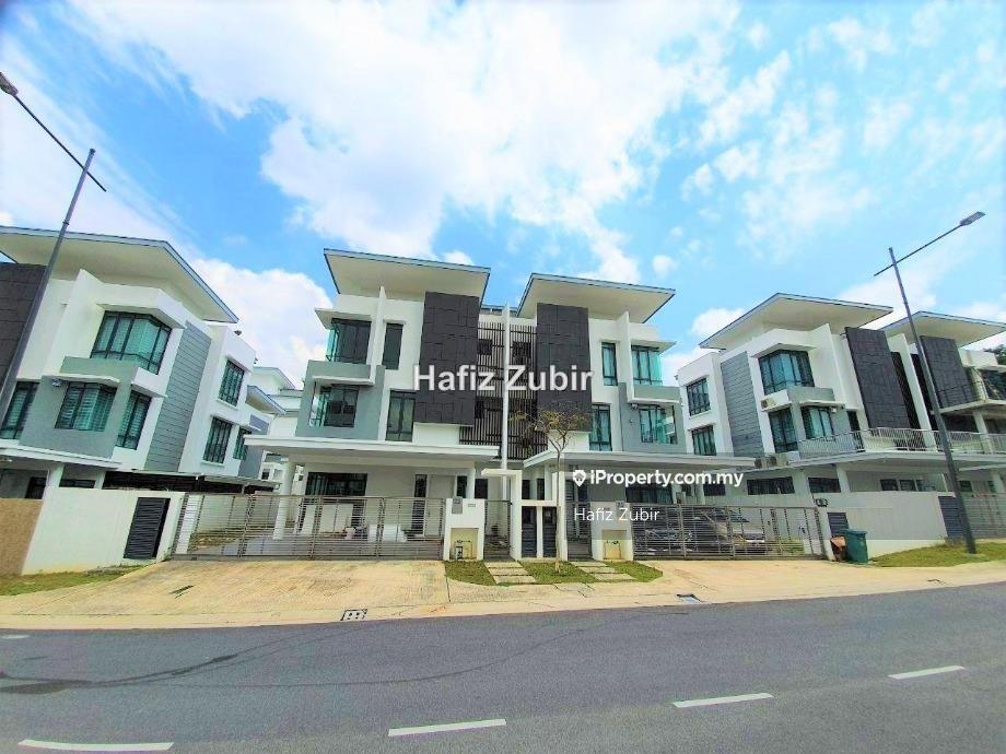 Semi D Lambaian Residence Taman Universiti Bangi, Bangi