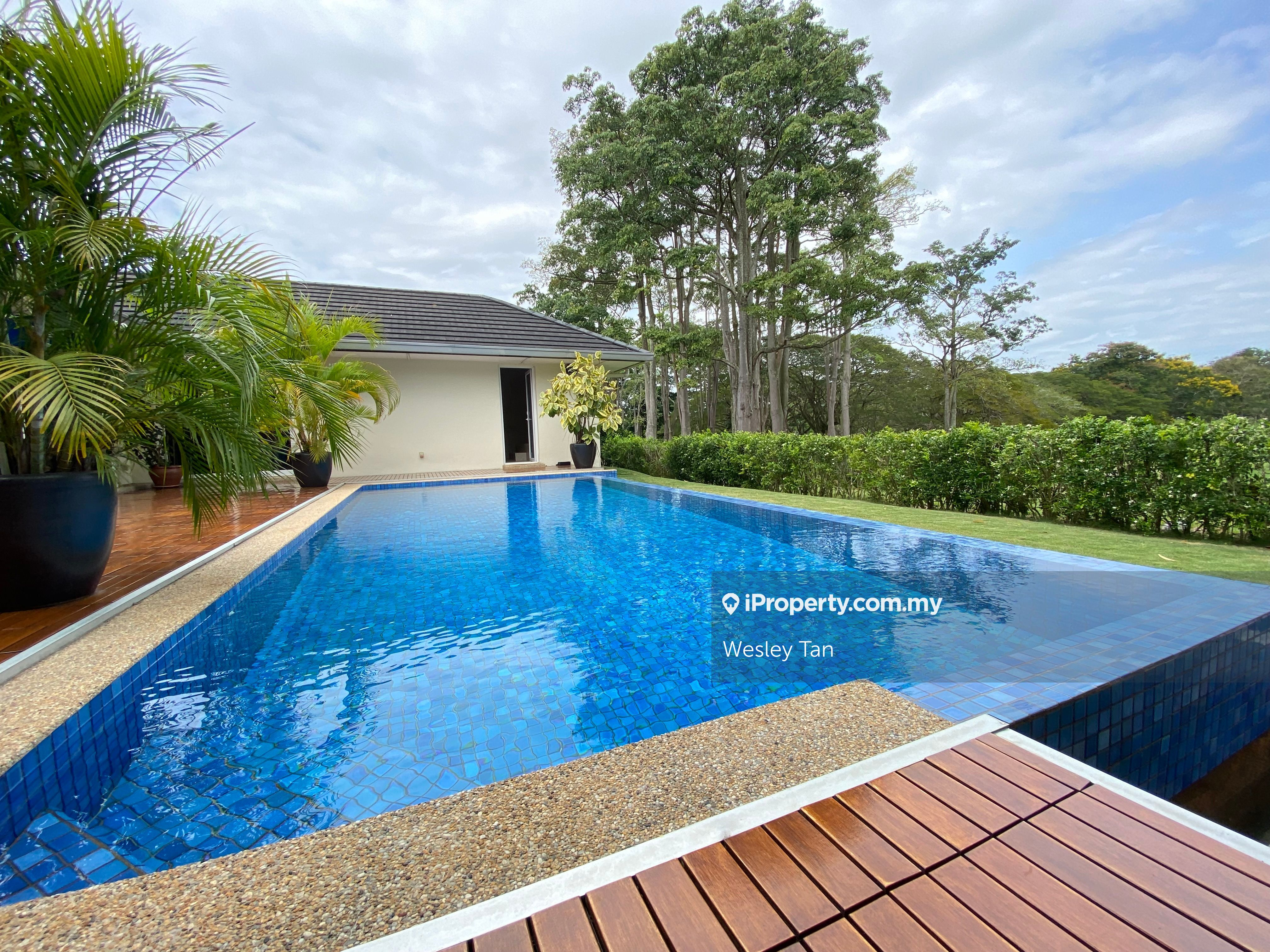 Tiara Golf Bungalow Resort House with Private Pool, Ayer Keroh