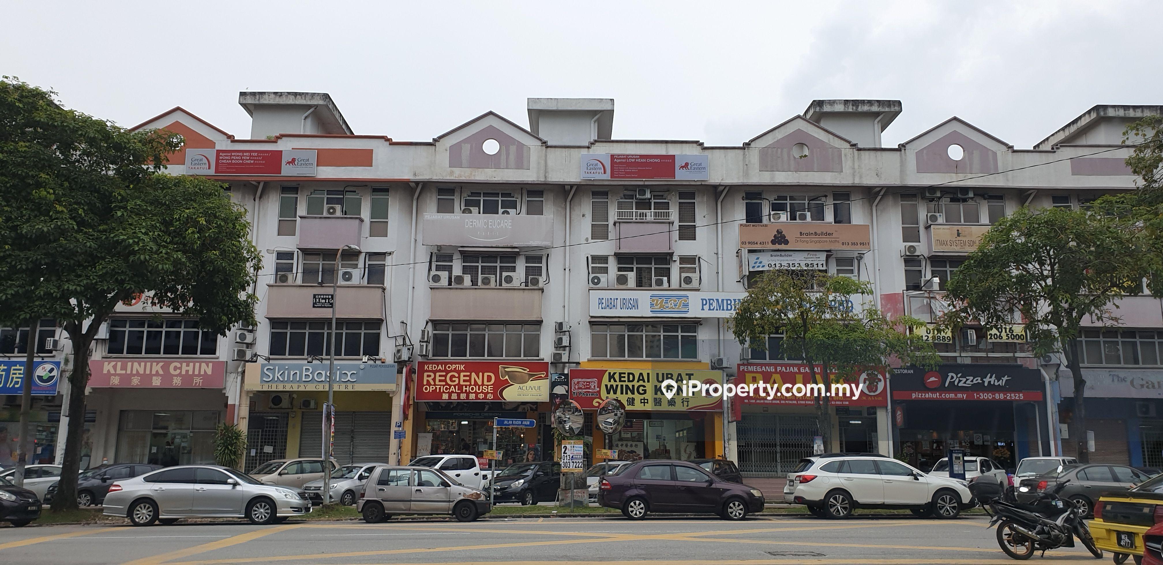 Above Pizzahut-perfect landmark, Sri Petaling