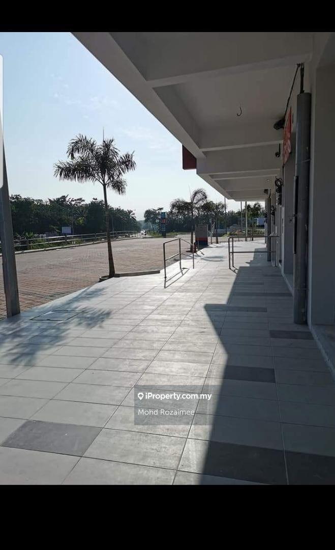 Shop Lot Pusat Komersial Tiara Sendayan , Bandar Sri Sendayan, Seremban