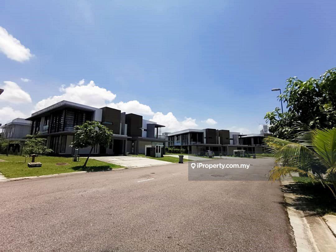East Ledang, Iskandar Puteri (Nusajaya)