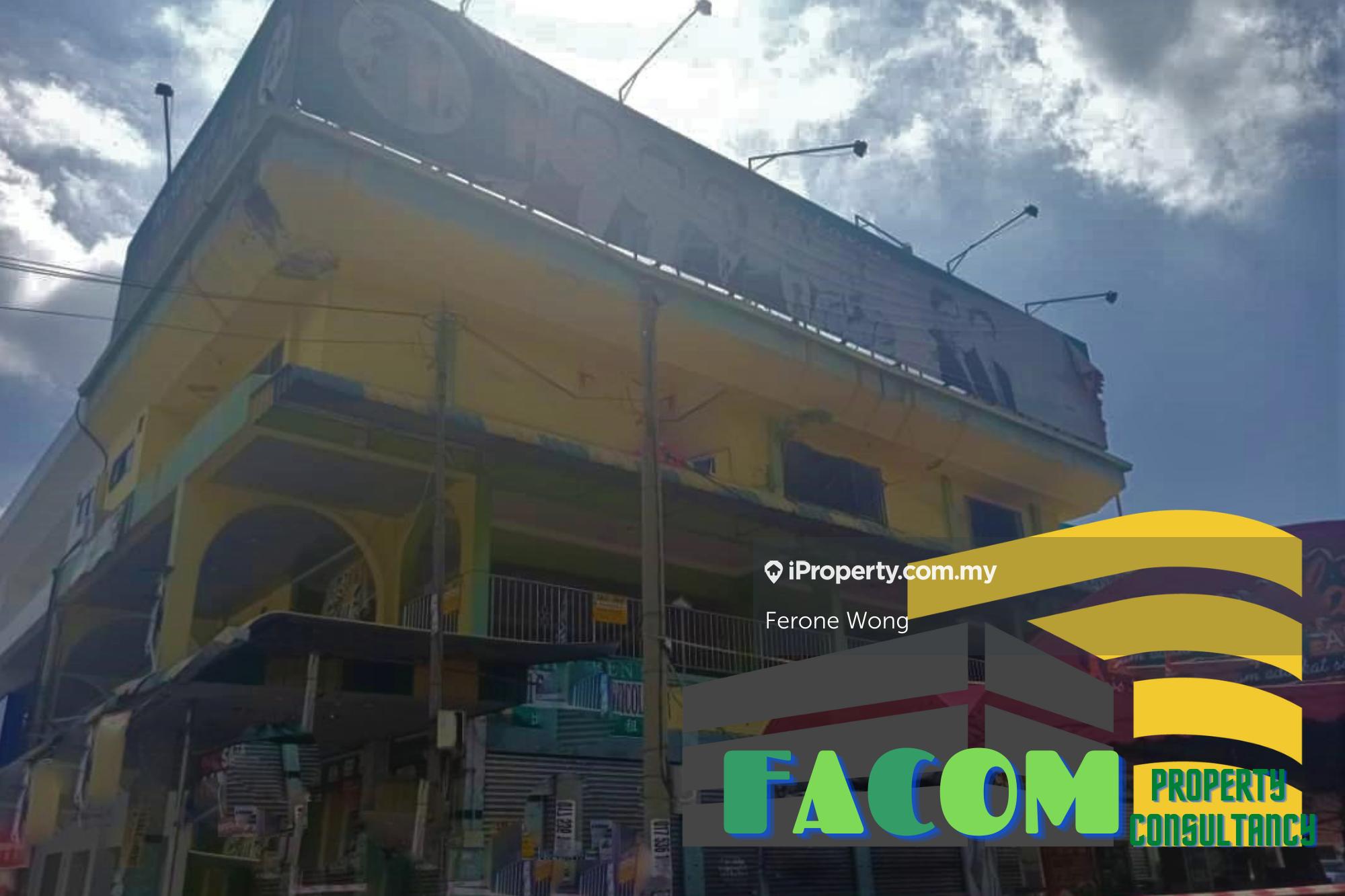 Commercial Area Shop Lot @ Jalan Tengah, Bayan Baru