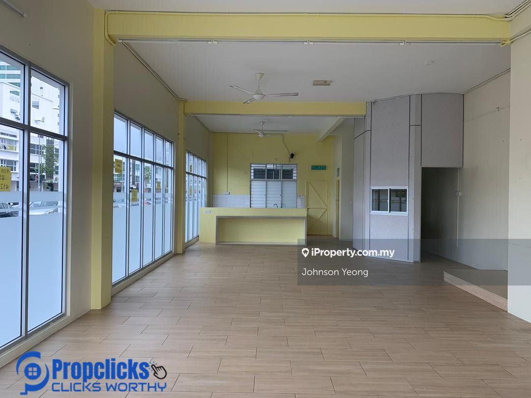 Arena Curve Ground floor corner unit , Bayan Baru
