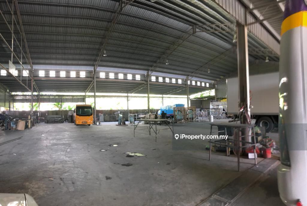 Warehouse (6000 sqft) at Pending Kuching , Kuching