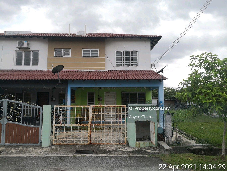 Bandar Saujana Putra, Jenjarom
