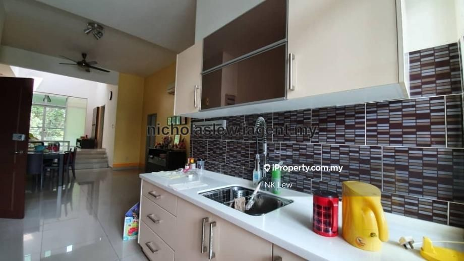Bayan Villa ,Bukit Serdang,Puchong South, Seri Kembangan