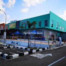 NEW COMMERCIAL RETAIL HYPERMARKET BUILDING BELOW MARKET VALUE PASIR GUDANG JOHOR 45000sq ft TENANTED, PASIR GUDANG, Pasir Gudang