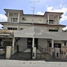 1 1/2 Townhouse, Ujong Pasir