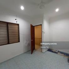 Cheng 2 Storey Terrace For Rent, Cheng