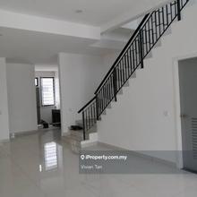 Double Storey Terrace @ Setia Tropika, Setia Tropika