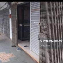Intermediate Terrace shoplot, Kedai setingkat dikawasan perumahan, Duyong