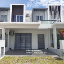 Casa View, Dengkil