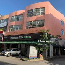 3 Storey Bandar Sri Damansara Freehold 6600 sqft Endlot Shop office for Sale at RM3.6Mil, Bandar Sri Damansara