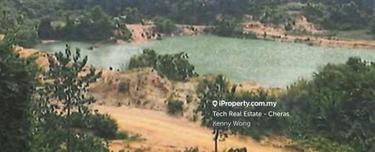 300 acres with Full Granite Stone, Tampin 1