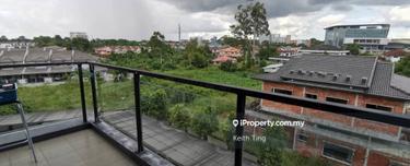 Urbaneeze, Kuching 1
