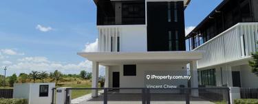 Senibong Cove, Isola Grandeur Bungalow Corner Lot, Permas Jaya 1