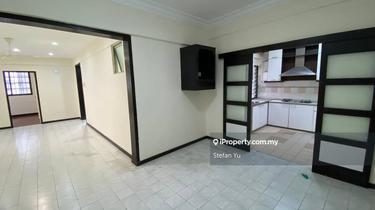 Sri Impian Apartment, Taman Dato Onn Jaffar, Johor Bahru 1