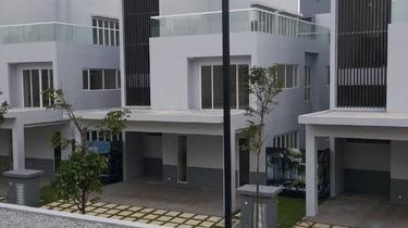 Lakefront Villa @ Lakefront Residence, Cyberjaya 1