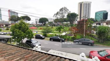 [ Corner Unit ] / SS20, Damansara Kim 1