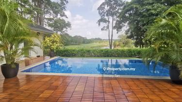 Tiara Golf Bungalow Resort House with Private Pool, Ayer Keroh 1