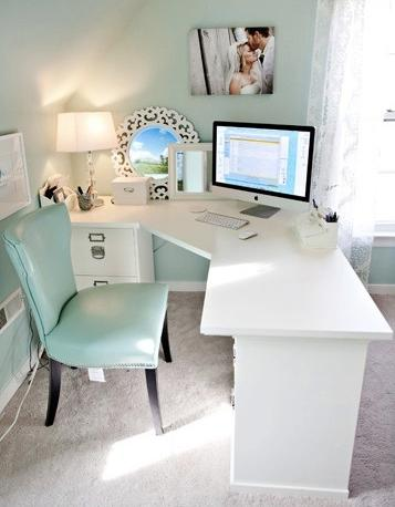 ห้องทำงาน สีขาวมินท์