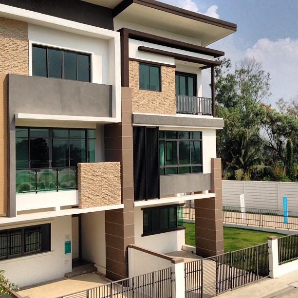 Living Resident Rangsit