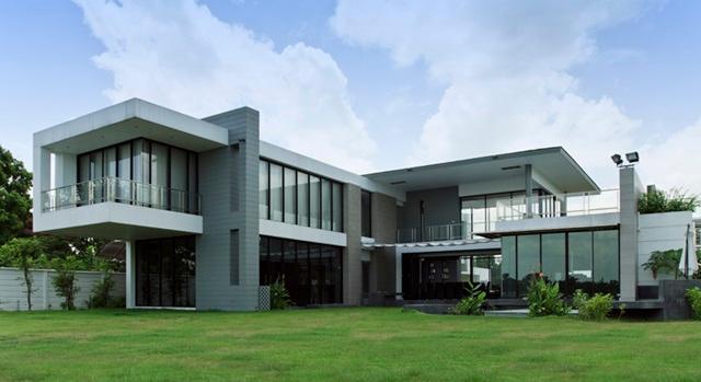 Nina House 04