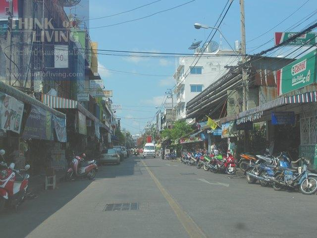 Bangkok Horizon Lazi 10
